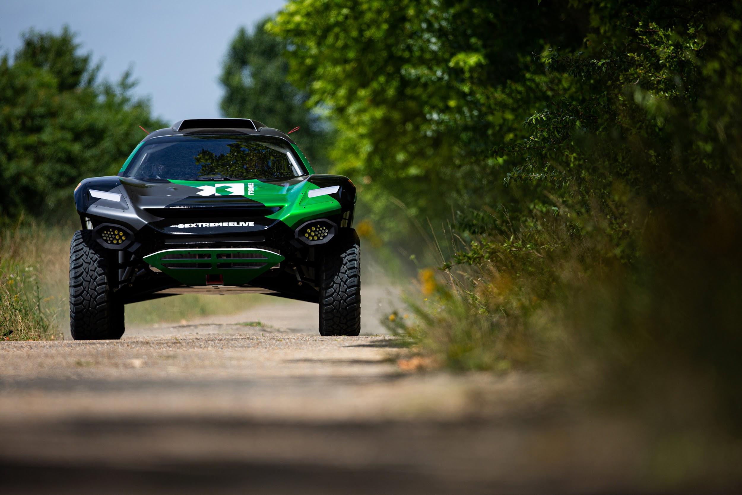 Bemutatták az Extreme E elektromos széria versenyjárművét