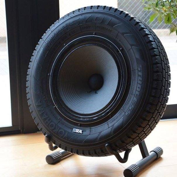 Gumiabroncs hangfal