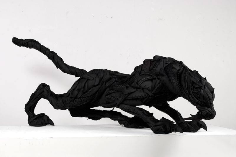 Gumiabroncs szobor